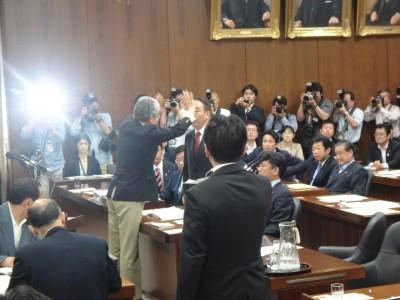衆議院法務委員会で、「テロ等準備罪処罰法」が可決の画像